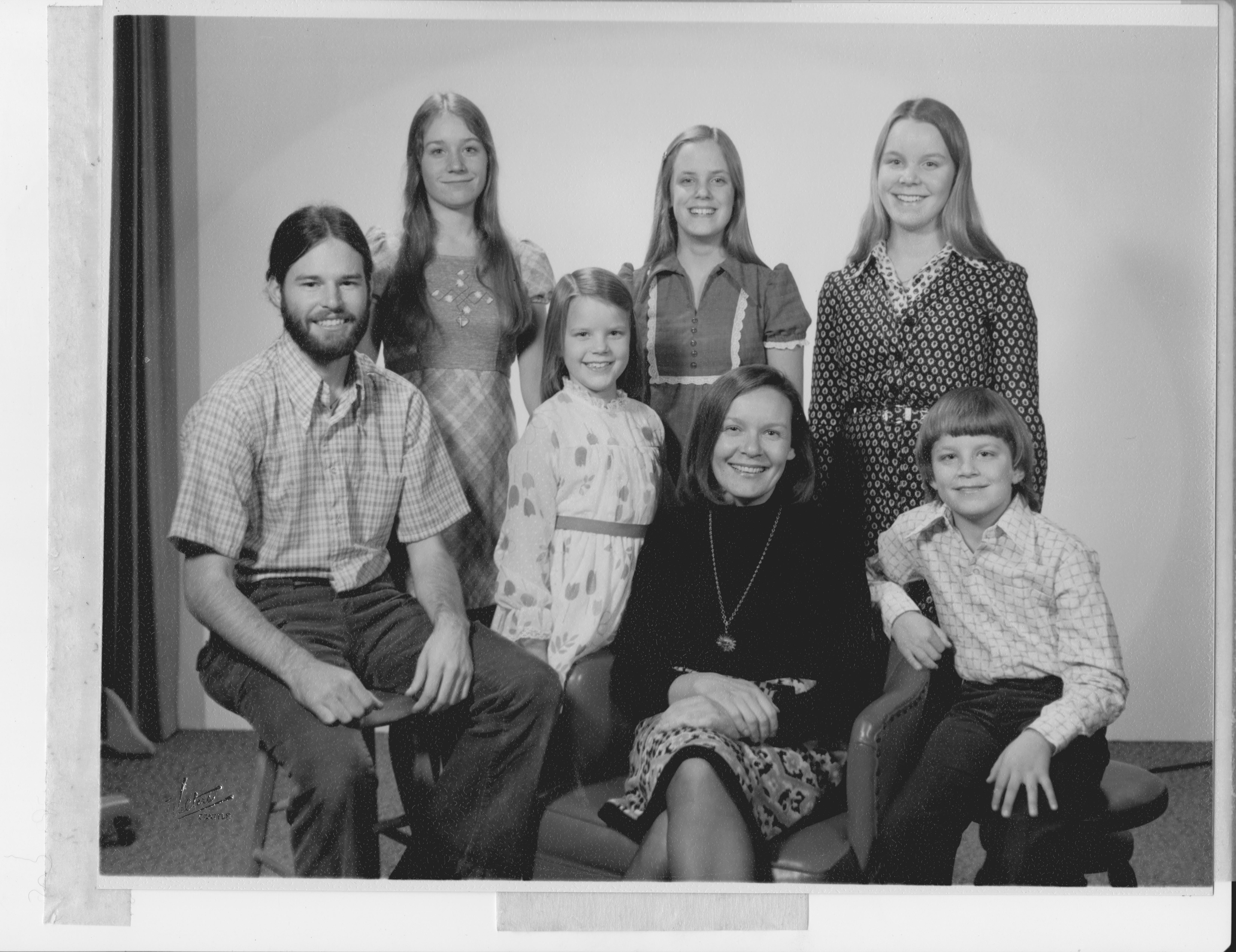 Arlene and 6 kids